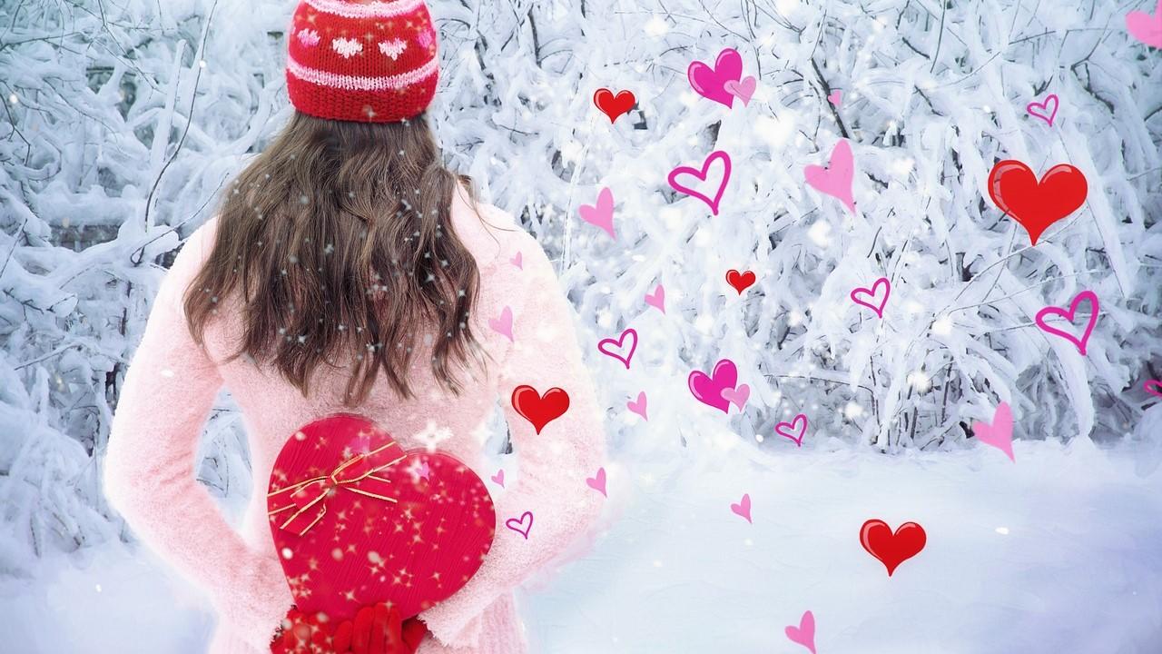 バレンタインデーにチョコレートを渡す女子のイメージ
